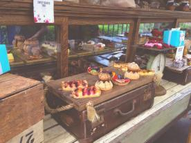 Sweet stuff served/displayed on treasure chests and suitcases. You'll definitely like it here.