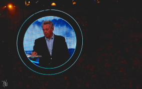 John Maxwell speaking in the first AM Rally. Talked about how we can become true salt and light to this world. Absolutely moving.